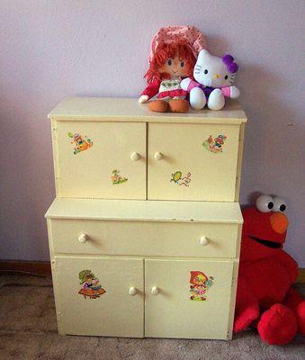 Annabel's new play kitchen cupboard!