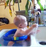 Annabel discovers the faucet (#2)